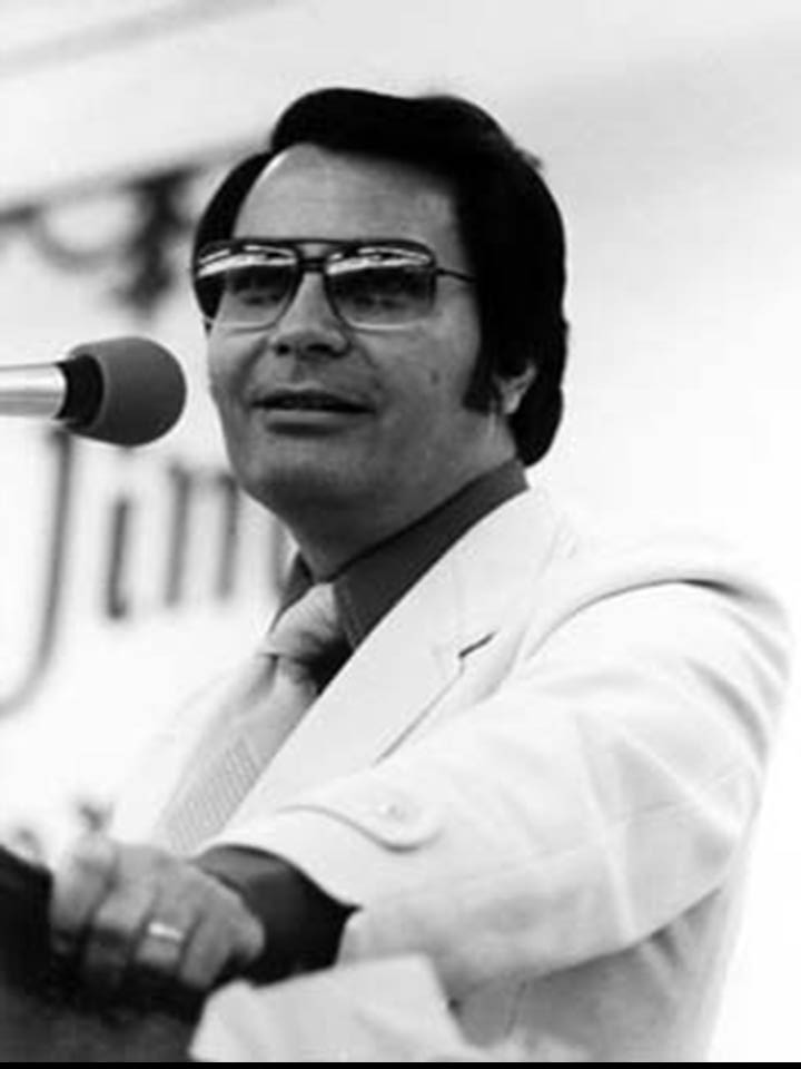 rev jim jones A preacher and civil rights activist — known as rev jim jones — lead more than 900 people to their deaths by convincing them to drink cyanide-laced flavor aid in the middle of a south american jungle in november, 1978 the poison caused death within five minutes, and was the largest single loss of.