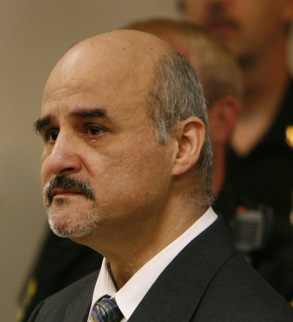 Story furthermore Sanchez Altemio Photos besides 1470896016 as well Pardo Manuel besides Serial Killers Are Disproportionately. on oscar ray bolin murders