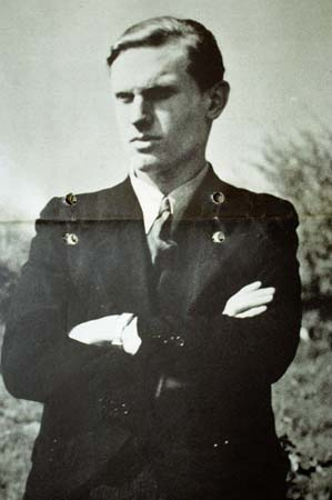 http://www.murderpedia.org/male.S/images/seifert_walter/seifert-001.jpg